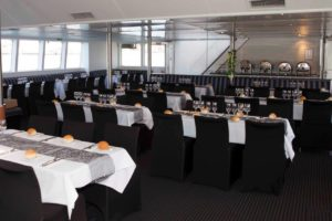 harbourside-cruises-seated-dining-area
